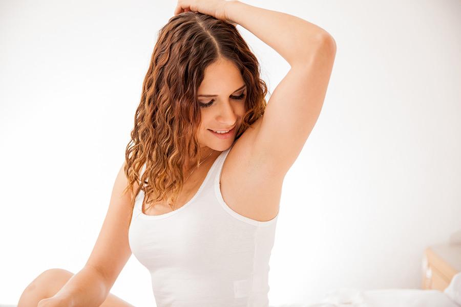 Schweißdrüsenentfernung | Praxisklinik Dr. Hasert Berlin-Mitte | Hautarzt